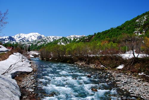 越後駒ケ岳と北ノ岐川