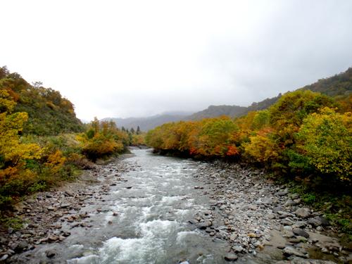 石抱橋から北ノ又川を望む